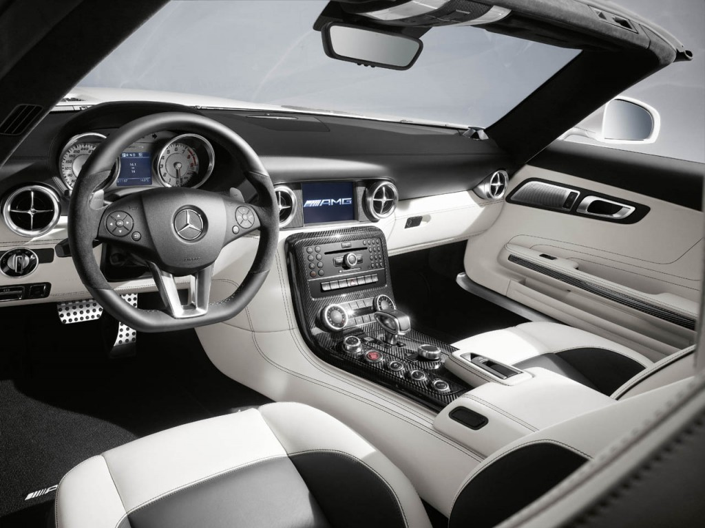 mercedes cars pictures 2012 mercedes benz c class coupe. Black Bedroom Furniture Sets. Home Design Ideas