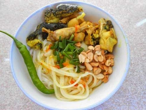 Vietnamese Noodle Recipes - Mì Quảng Thịt Ếch
