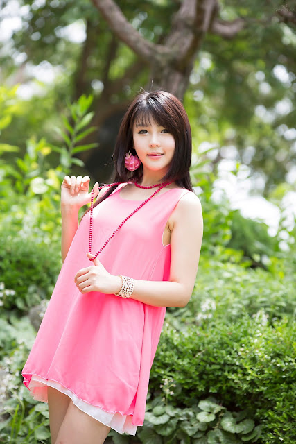 4 Lee Ji Woo in Pink - very cute asian girl - girlcute4u.blogspot.com