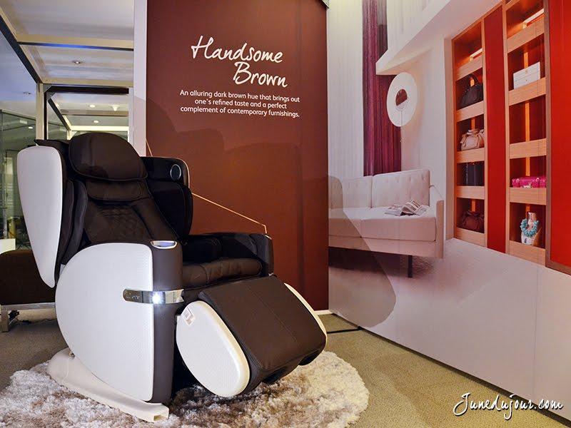 love at first lounge the osim ulove 白马王子 massage chair