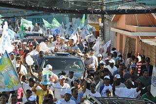 Hipolito Mejia afirma el pais no aguanta la continuidad del gobierno peledeista