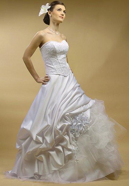 Finding The Perfect Wedding Dress | Weddingbee