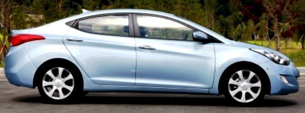 Hyundai Elantra 2011 Car 3