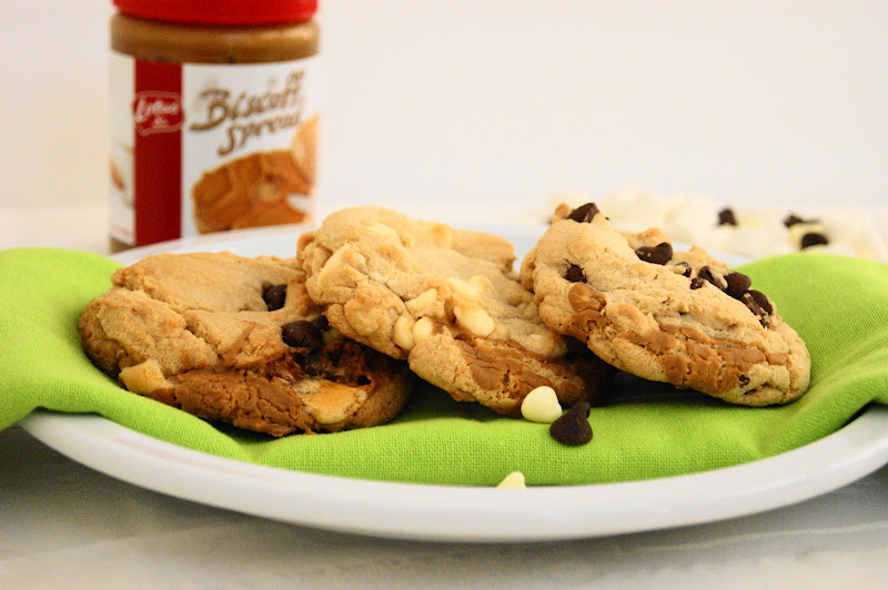 Biscoff-Stuffed Cookies {White Chocolate Chip, Chocolate Chip, or S ...