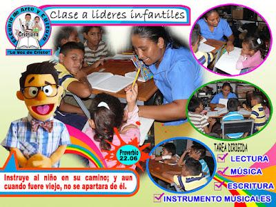 Clase a lideres infantiles de la Escuela de Arte Cultura Cristiana La Voz de Cristo