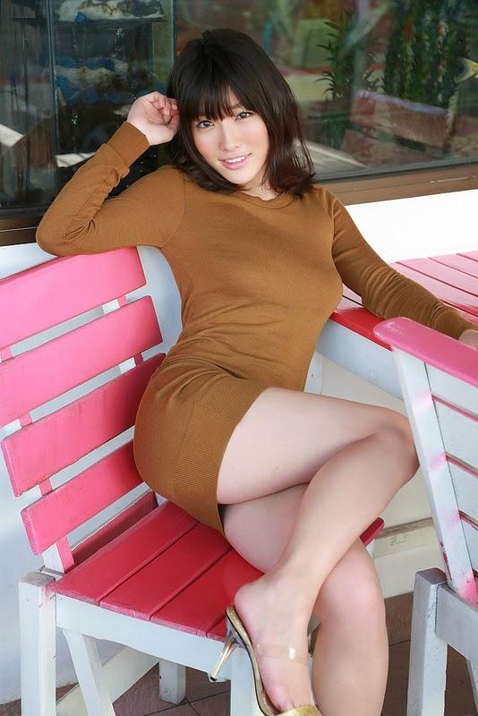 Anna Konno: Beauty attracts all glances
