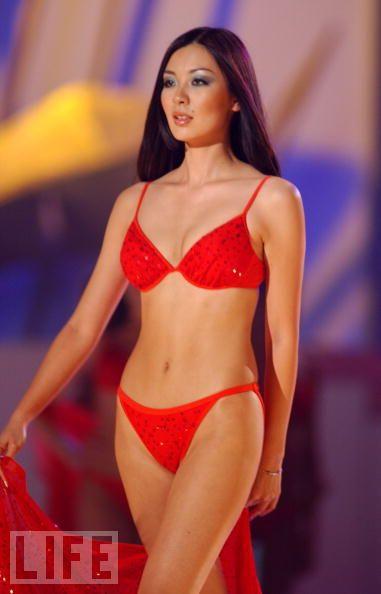 Sophida Kanchanarin (THAILAND 2018) - Page 2 2003%2BMiyako%2BMiyazaki%252C%2BMiss%2BUniverse%2BJapan%2B%25285%2529