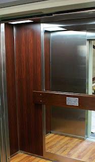 On ne grimpe pas les échelons en ascenseur