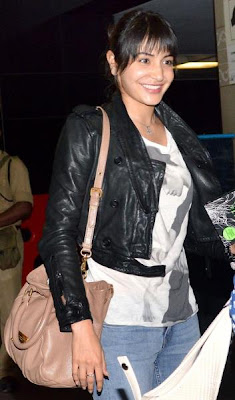 Anushka Sharma spotted in Airport gallery