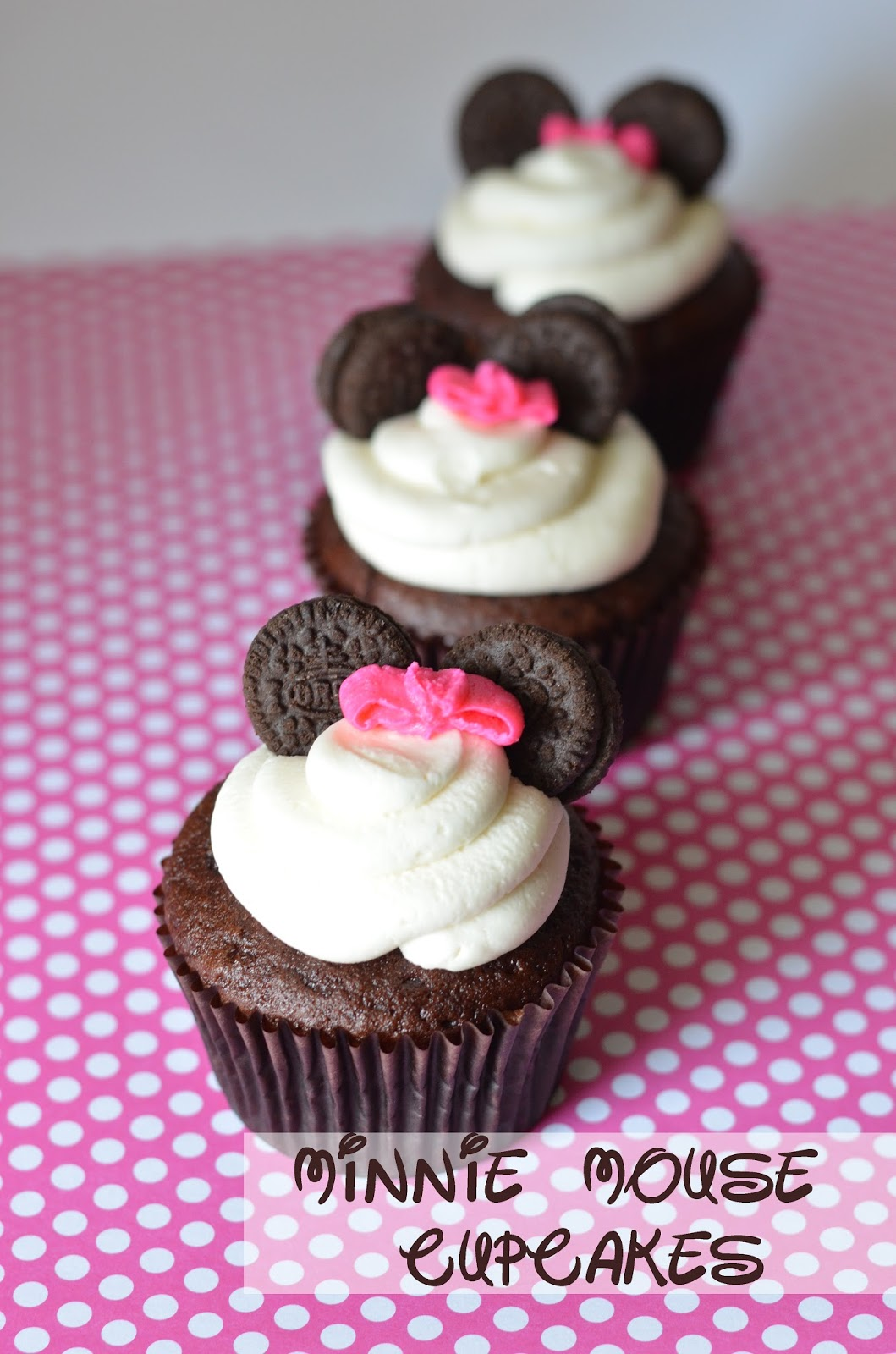 Minnie Mouse Cupcakes - Courtney's Sweets