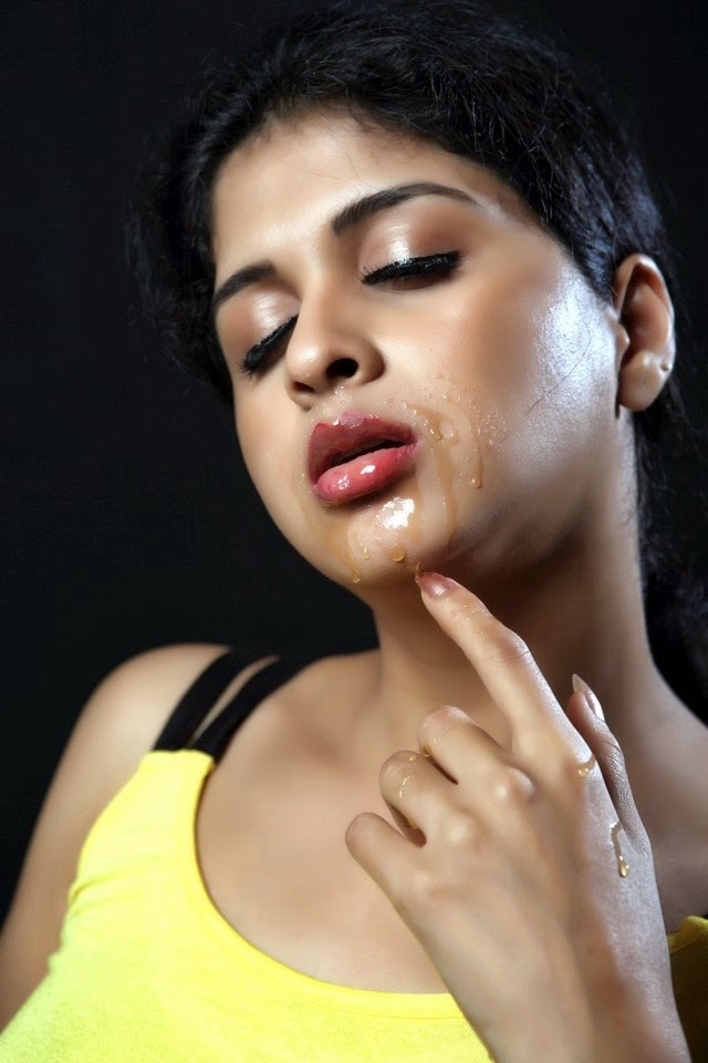 Ice Cream 2 Actress Naveena Sizzling Spicy Stills