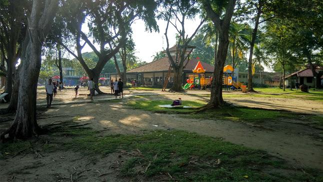 taman mambruk samping restaurant