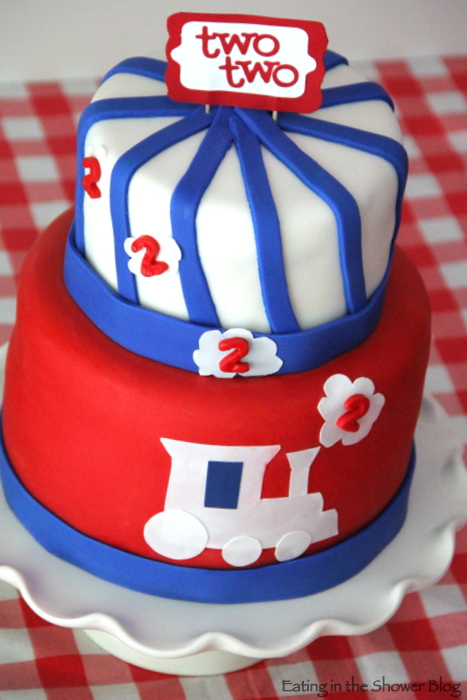 twotwo train birthday cake