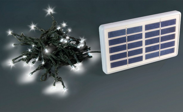 Arredamento da giardino le luci di natale ad energia solare - Luci ad energia solare per giardino ...