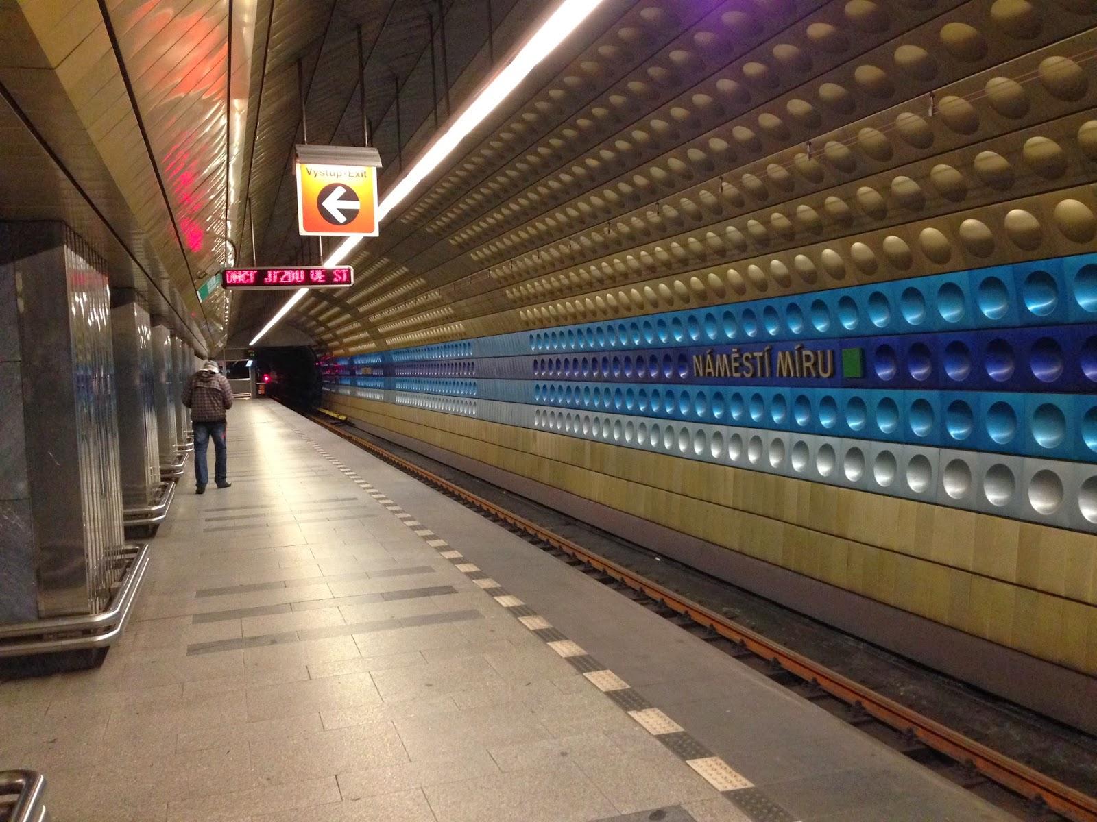 Проститутка метро пражская тажичка 22 фотография
