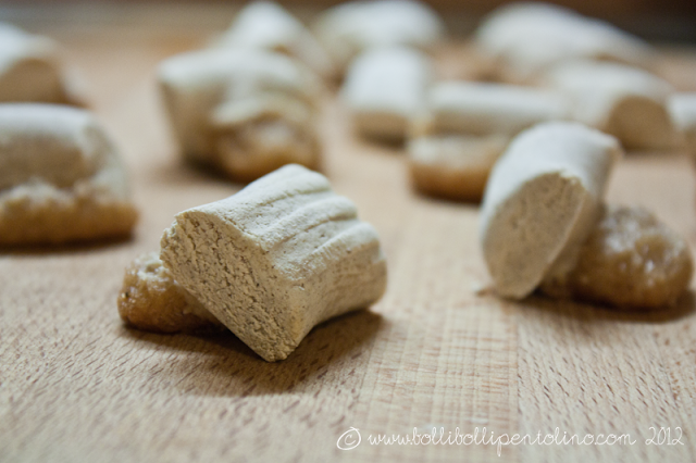 biscotti siciliani di pasta garofanata del periodo dei morti