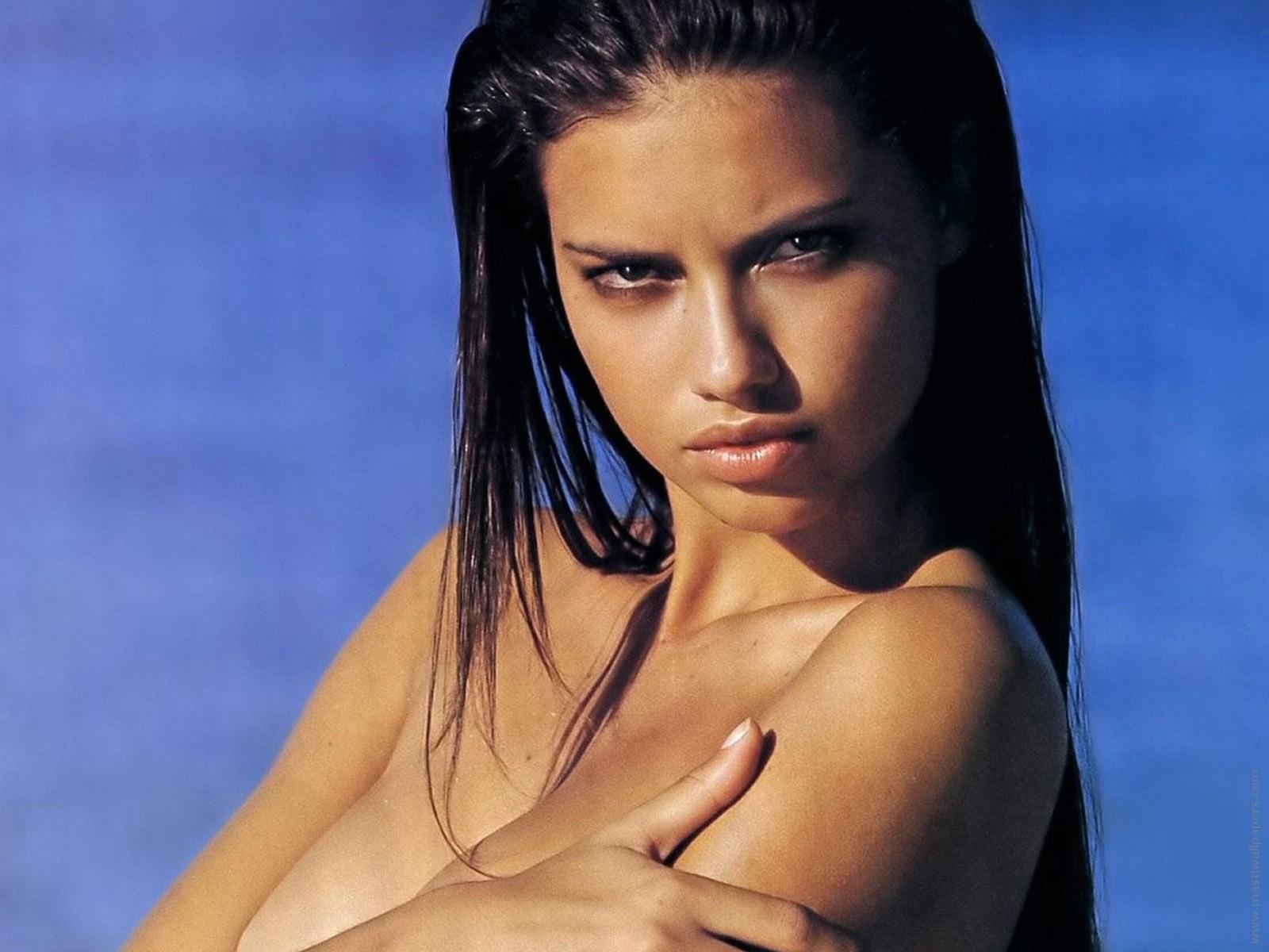 http://3.bp.blogspot.com/-WRyMOv20BeQ/T0z7odp6bFI/AAAAAAAAM3k/jk6VmgeJI4s/s1600/Adriana+Lima+Hot+(3).jpg