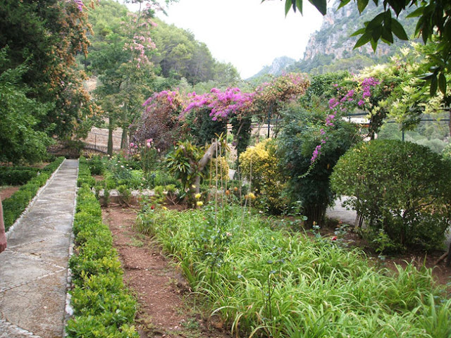 Jardines de alfabia en mallorca parte i paisaje libre for Jardines mallorca