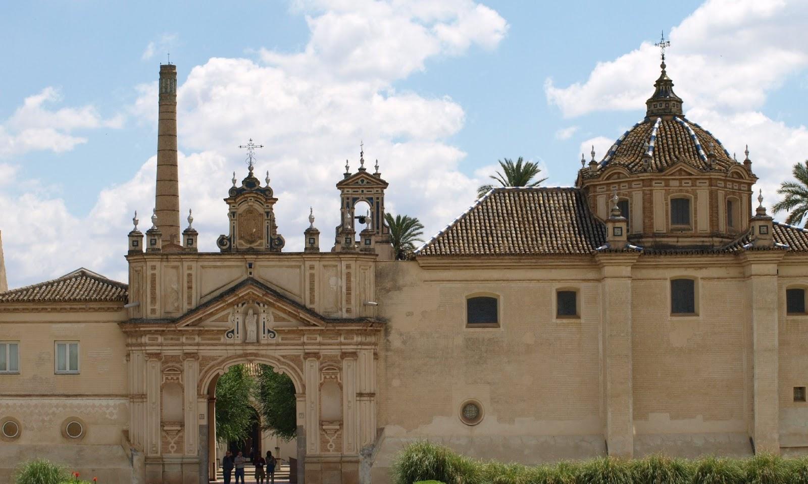 Sevilla daily photo puerta de tierra en el monasterio de for Los jardines de la cartuja