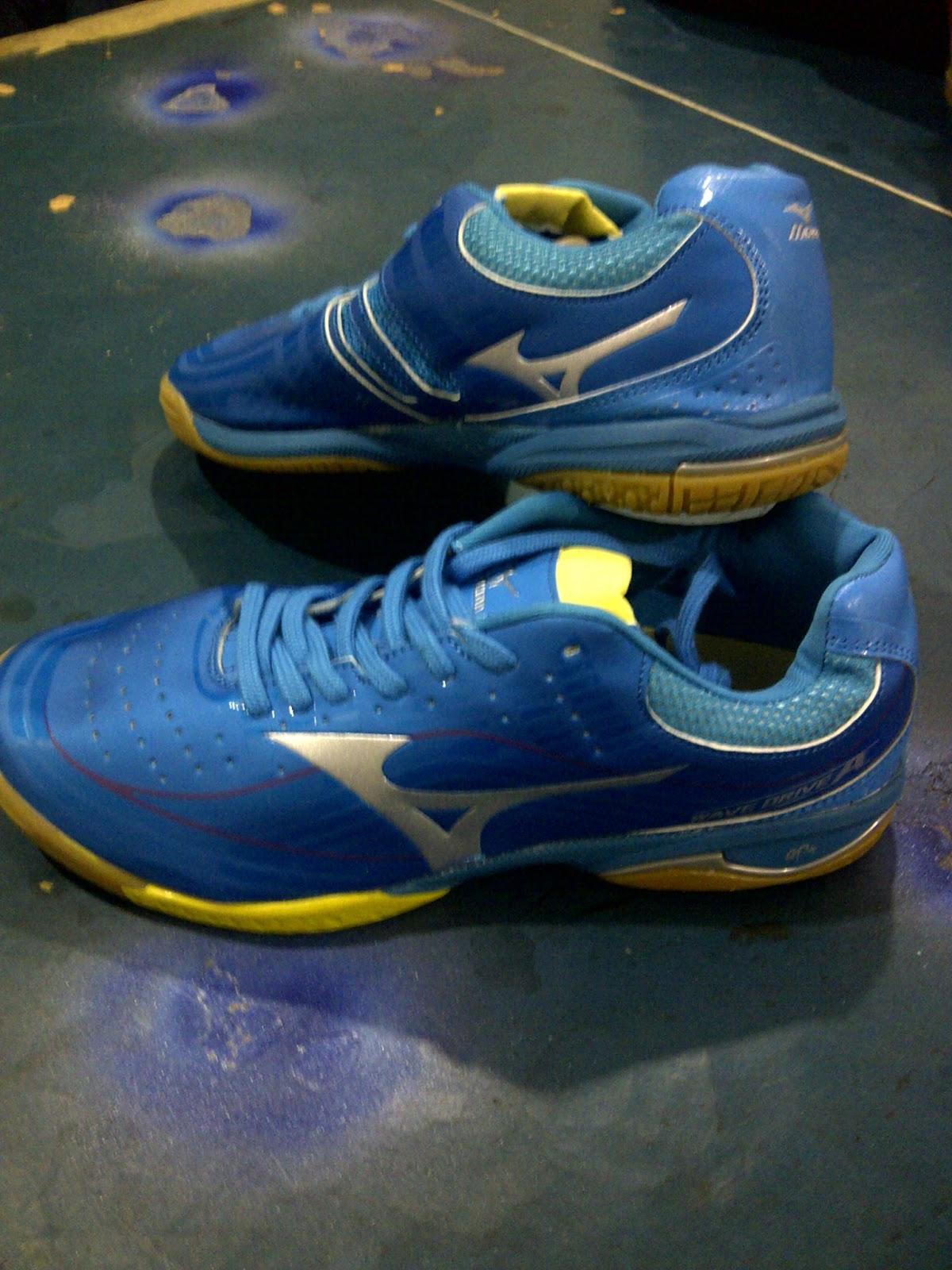 Sepatu Tenis Meja Mizuno Biru + SOCK  7d9a823fed
