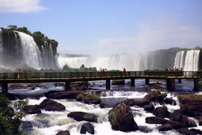 Brazil Travel Guide - Visiting Natural Wonders - Iguazu Falls