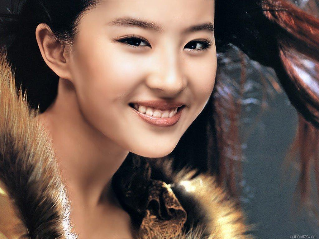 Crystal Liu Yi Fei HD Wallpapers Free Download