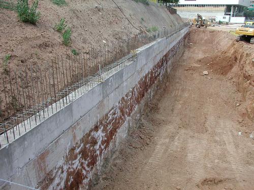 Muros de contenci n muros de contenci n a gravedad - Como hacer muros de piedra ...