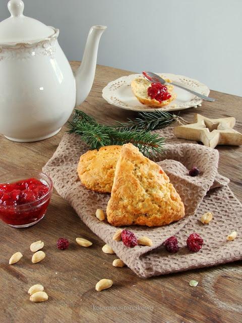 Śniadaniowe bułeczki scones