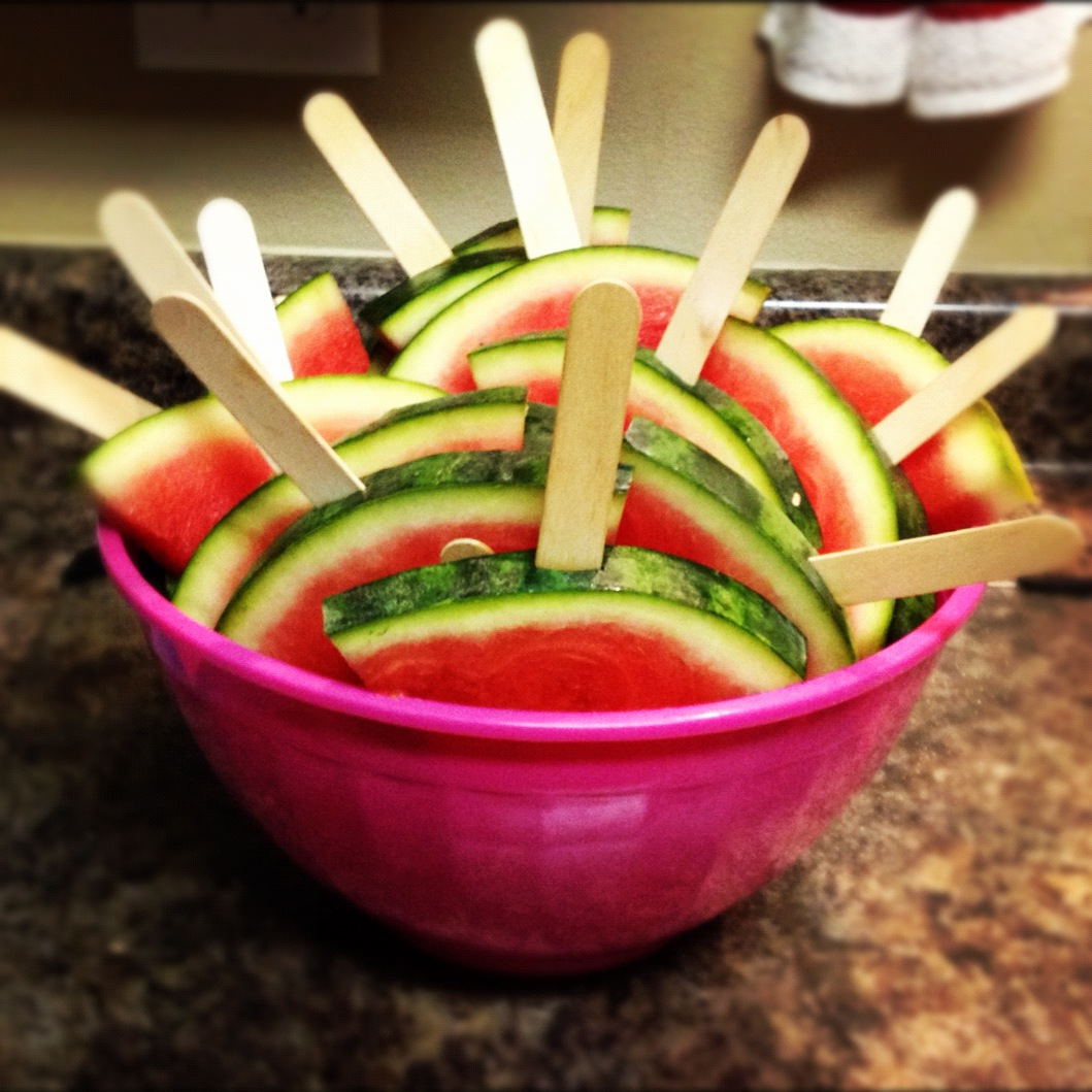 how to cut your watermelon into sticks