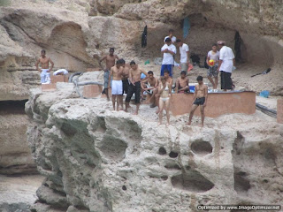 Wadi Shab swimming