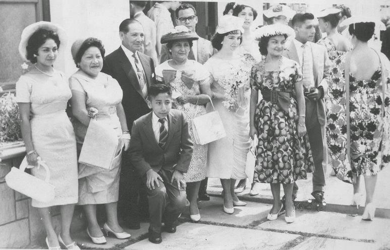 Mi abuelo, abuela política y tíos en la línea materna