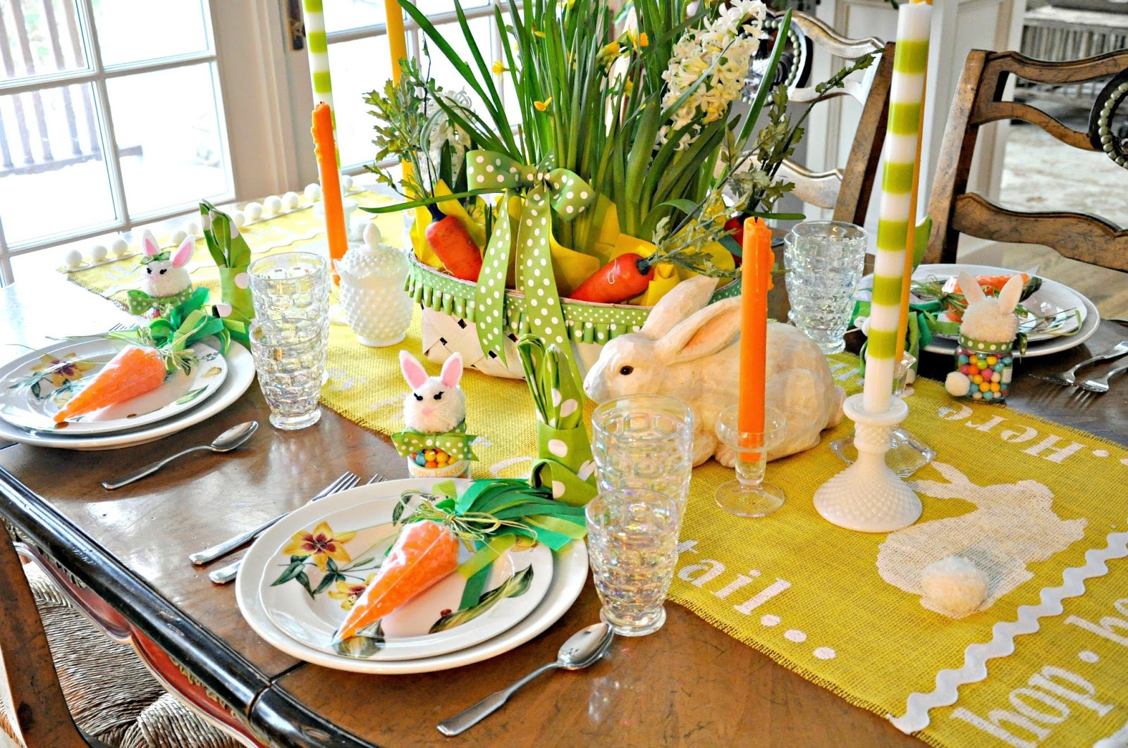 Serendipity refined blog easter table setting for Decoration maison orange