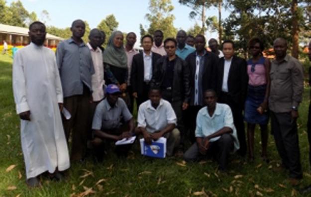 narasumber_dan_peserta_pelatihan_budidaya_ikan_uganda