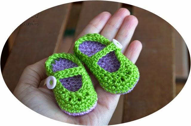 http://noagurumis.blogspot.com.es/2014/04/mini-zapatos-bebe-ganchillo.html