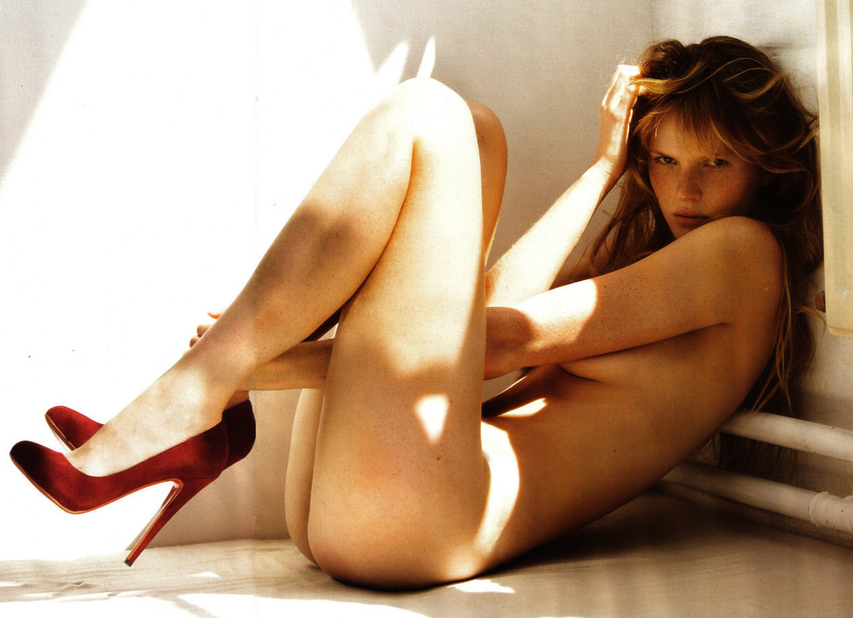 http://3.bp.blogspot.com/-WT3SZL3JOPU/TYeTaOtFz1I/AAAAAAAACnE/19WNPFLjrO4/s1600/Anne%2BV%2B23.jpg