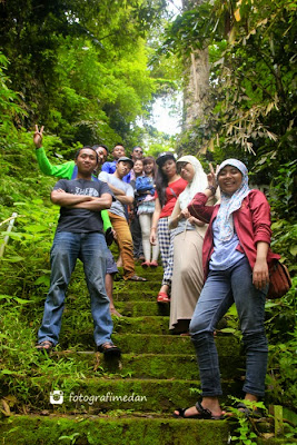 anak tangga menuju mercusuar pulau berhala