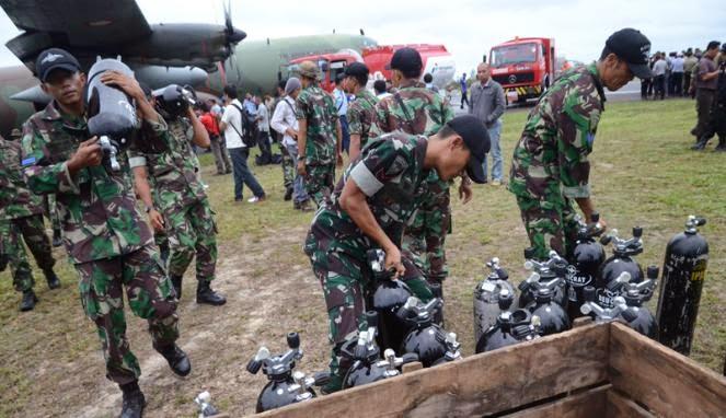 Sebanyak 47 personel TNI AL diterjunkan untuk melakukan evakuasi terhadap para korban kecelakaan pesawat AirAsia QZ 8501