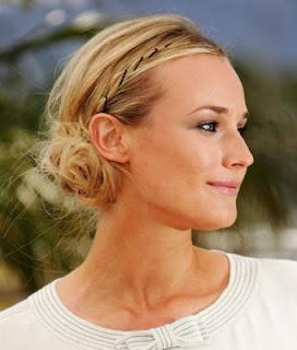 http://3.bp.blogspot.com/-WTRabh-AwIA/Tu4p8D3Es0I/AAAAAAAAG3M/B5TZzLNt6Jo/s1600/updos-for-medium-length-hair.jpg