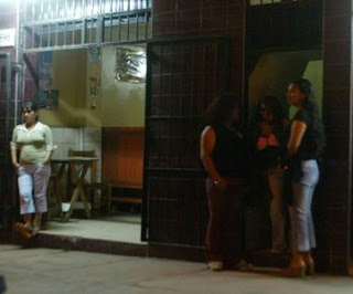 prostitutas a domicilio en almeria prostitutas la linea