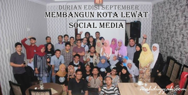 Blogger mendan durian september kafe potret