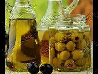 أسهل وأسرع طريقة لتخليل الزيتون الاخضر بالمنزل خطوة بخطوة بالصور,طريقة تخليل الزيتون الأخضر , اسهل طريقة لتخزين الزيتون الاخضر , خطوات سريعة لتخليل الزيتون الاخضر بالمنزل , كيفية تخليل الزيتون الاخضر فى المنزل بالصور,طريقة تصبير الزيتون الأخضر,طريقة تخليل الزيتون الأخضر للشيف حسن,طريقة تخليل الزيتون الأخضر التفاحى,Pickling olives,Pickling olives recipe