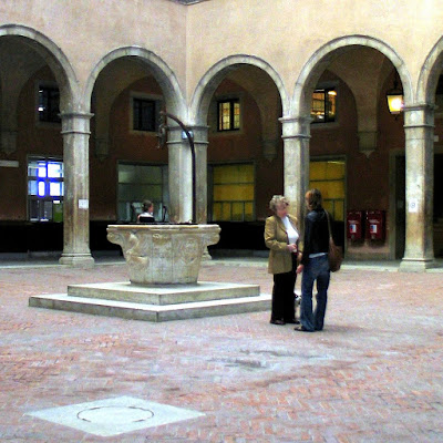 Vera da Pozzo, Innenhof des Fontego dei Tedeschi, Photo by Gunther H.G. Geick