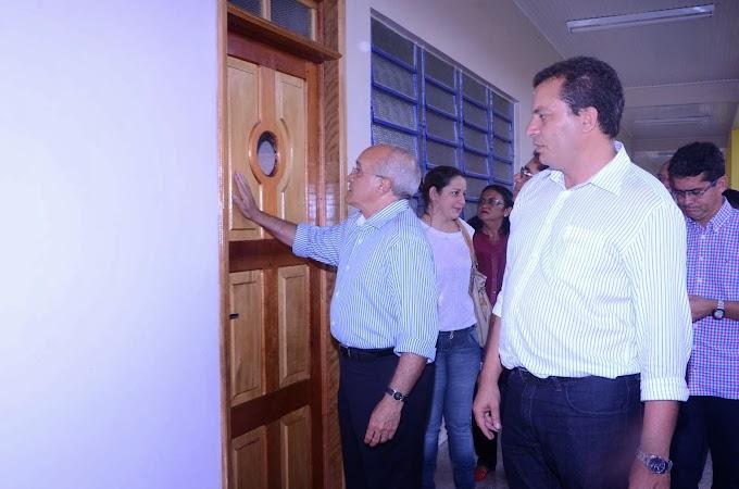 Mais de 250 famílias de Envira recebem títulos de terra e outras oito mil receberão o documento este ano no interior, anuncia José Melo