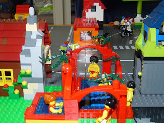 Letters from a broad see the sights in my amazing lego for Big blue piscine