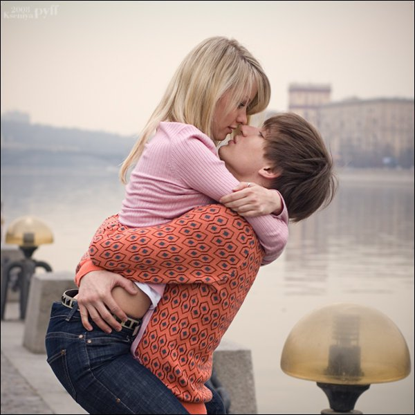 stylish hot couple kissing - photo #10