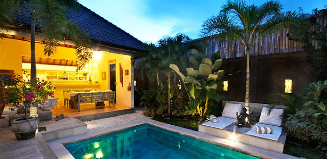 Villa Biru-Biru by night, Bali