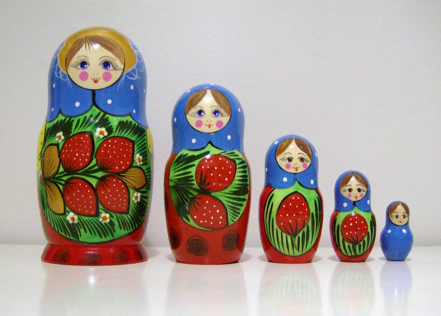 Teisukas station easter gifts from russia matryoshka set in a row one matryoshka includes a set of negle Images