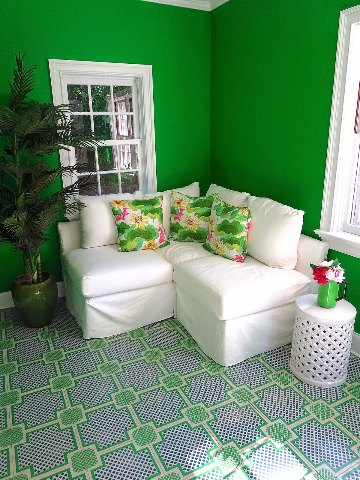 Cococozy am 39 s pretty little green room east hampton decor - Pretty green rooms ...