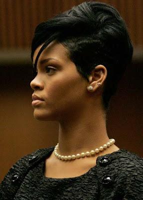 Rihanna Pearl Necklace