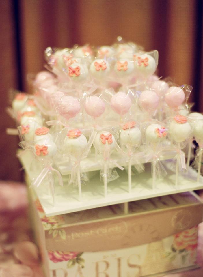 make it pop sweets pink parisian wedding dessert table. Black Bedroom Furniture Sets. Home Design Ideas
